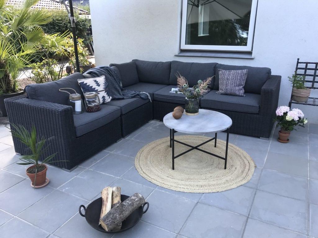 min nye terrasse og lounge sofa sabinas verden. Black Bedroom Furniture Sets. Home Design Ideas
